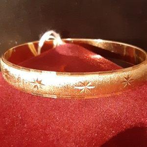 Monet Gold Star Bracelet